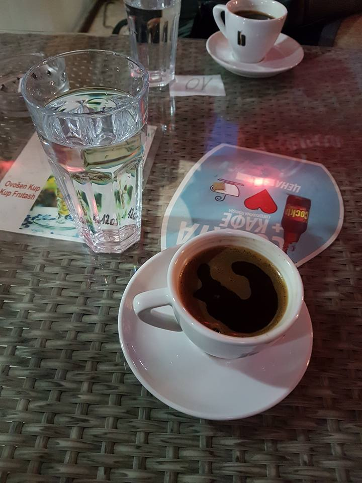 Büyük Fincanla Türk kahvesi