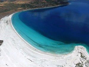 Yeni bir gidilesi yer daha: Türkiye'nin Maldivleri diye geçiyor..